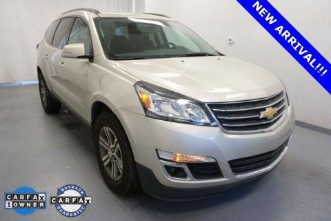 Certified Pre-Owned 2016 Chevrolet Traverse LT Cloth AWD